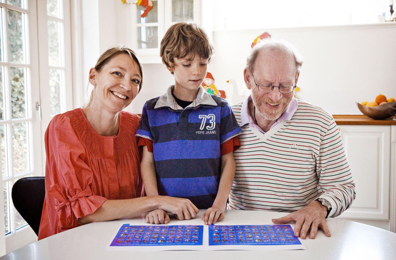 Julemaerket 2011 Frederik Brammings søn, barnebarn og oldebarn